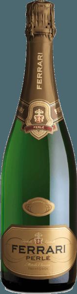 Deze hoogwaardige vintage Spumante krijgt een prachtige combinatie van elegantie en frisheid door de bijzonder lange rijping in de fles. De Ferrari Perlé van Ferrari bekoort met een fijn en intens bouquet van amandelbloesem met nuances van knapperig brood. In de mond is hij zowel elegant en droog als vol en zacht met de karakteristieke Chardonnay afdronk. Lekker eten / Voedingsadvies voor deFerrari Perlé - Ferrari Klassiek harmonieert het met Italiaanse hors d'oeuvres met Parmaham, Parmezaanse kaas, Grissini, olijven, Mozarella en tomaten. Onderscheidingen voor deFerrari Perlé Wijn Enthusiast: 92 puntenWine World: 90 puntenI Vini d'Italia: L'Espresso - Uitstekend! 18/20 pts.Gambero Rosso: 2 glazen 2016Tom Stevenson: Beste in zijn klasse Trentodoc Blanc de BlancWine Spectator: 91 puntenParker Points - Wine Advocate: 92 pts (wijnoogstjaar 2008)