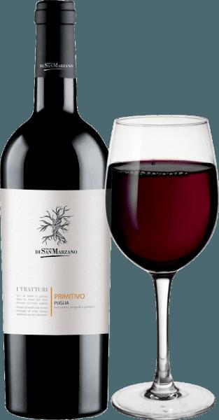 De I Tratturi Primitivo van Cantine San Marzano is een ongecompliceerde, single-vineyard rode wijn uit het Italiaanse wijnbouwgebied Apulië. In het glas verschijnt deze wijn in een volle robijnrode kleur met violette accenten. In de neus ontvouwen zich fruitige aroma's, waarbij zwarte kersen, pruimen en rijpe pruimen het eerst in gedachten komen. Nuances van vanille en rozemarijn vullen aan. In de mond flatteert deze Italiaanse rode wijn met dominant fruit, aangevuld met mediterrane kruiden en zoete specerijen. Een volle body en zachte tannines zorgen voor een absoluut drinkbare en drinkbare indruk die lang aanhoudt in de afdronk. Vinificatie van de Cantine San Marzano I Tratturi Primitivo De Cantine San Marzano behoort tot een coöperatie van ongeveer 1.500 wijnbouwers die in hoge mate hebben bijgedragen tot de economische opleving van het wijngebied Apulië. Al meer dan 3000 jaar worden er verschillende druivensoorten geteeld. Het team van Cantine San Marzano rond Mauro di Maggio profiteert van de diversiteit van inheemse variëteiten en schittert met zowel single-varietal als cuvée-producten. Unieke bodemomstandigheden beperken de oogst op een natuurlijke manier en intensiveren de kwaliteit van de wijnen. De warme Scirocco en de hoge zonnestraling maken het moeilijk voor schimmels en insecten en maken dus een teelt met weinig bestrijdingsmiddelen mogelijk. De gisting vindt plaats in stalen tanks onder strenge temperatuurcontroles en dankzij de rollende gistingstanks kan deze wijn rijpen. Aanbevolen voedsel voor de I Tratturi San Marzano Primitivo Wij raden aan deze heerlijke rode wijn uit het zuiden van Italië te drinken bij een temperatuur van 15-17°C met kort gebraden vlees, gestoofde groenten of pasta met kruidige sauzen.