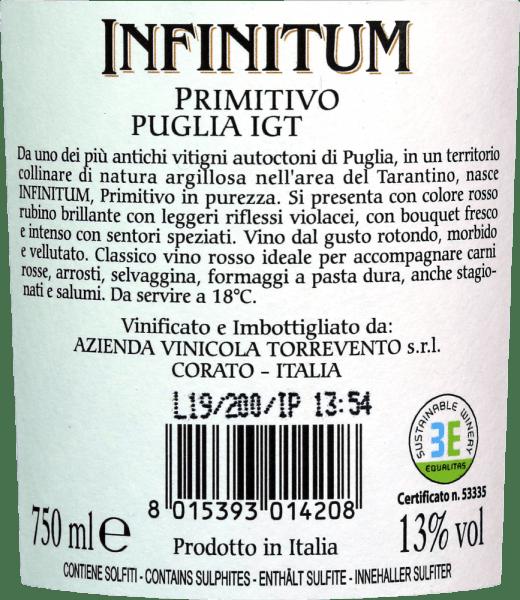 De Infinitum Primitivo Puglia IGT vanTorreventoschittert met een rijke robijnrode kleur in het glas met paarse reflecties. In de neus zijn tonen van donker fruit en een aangename kruidigheid duidelijk waarneembaar. Het gehemelte van de Primitivo uit Apulië overtuigt met een ronde en fluweelzachte textuur. De rode wijn toont zich expressief en krachtig, zonder een evenwicht te missen. Zeer zachte en geïntegreerde tannines ronden de aanhoudende afdronk af. Infinitum betekent oneindig. Oneindig, dus het beschrijft de verscheidenheid aan aroma's heel treffend. Een wijn uit Zuid-Italië met veel drinkplezier. Vinificatie van de Infinitum Primitivo Puglia van Torrevento De druiven voor de Infinitum Primitivo Puglia IGT Torreventozijn afkomstig van de kleiachtige bodems rond de steden Manduria en Sava. De Primitivo wordt eind september geoogst. Na een maceratieperiode en gisting in roestvrij staal rijpt de wijn nog 6 maanden in roestvrijstalen tanks alvorens te worden gebotteld. Aanbevolen voedsel voor Infinitum van Torrevento Geniet van sterke vleesgerechten met de klassieke Primitivo uit Puglia. De Infinitum gaat echter ook heel goed samen met salami of rijpe harde kazen.