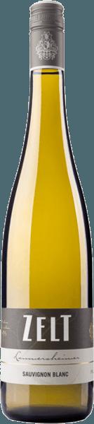 De Zelt Laumersheimer Sauvignon Blancschittert in een elegante, gele tint in het glas. Hij ontvouwt zijn heerlijke bouquet van vlier, citrus en exotisch fruit, vermengd met tonen van vers gemaaid gras en kruiden. In de mond is de Sauvignon Blanc sappig fris. Meerlagig ontvouwen zich hier fruitige aroma's, die bekend zijn van het bouquet en een mooie mineraliteit laat de wijn levendig en fijn kruidig overkomen. De afdronk van deze wijn uit de Pfalz is lang en sappig. Spijsadvies voor de Laumersheimer Sauvignon Blanc Geniet van deze droge witte wijn bij gerechten met gevogelte, vis en zeevruchten of bij bladsalades met vinaigrette.