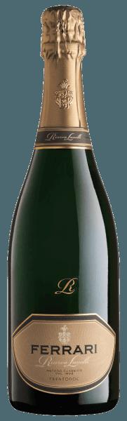 Deze vintage spumante, met zijn buitengewone structuur, vertegenwoordigt een fascinerende combinatie van innovatie en traditie. De Ferrari Riserva Lunelli van Ferrari presenteert zich met een elegantie die zijn harmonieuze complexiteit en onweerstaanbare rijkdom krijgt door de lange rijping op hout. Hij bekoort door zijn rijkdom, zijn fruitigheid en het perfecte evenwicht. Een bijzonder lange afdronk rondt deze flatterende mousserende wijn af. Awards voor deFerrari Riserva Lunelli van FerrariGambero Rosso: 3 glazen 2016Wine Spectator: 90 puntenBibenda: 5 druivenWine Enthusiast: 92 puntenParker punten - Wine Advocate: 93 pts (Vintage 2006)