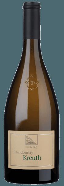 De Kreuth Chardonnay Alto Adige/Zuid Tirol Terlaner DOC van Cantina Terlan fonkelt in het glas in een prachtig strogeel. In de neus opent zich een complex bouquet, gekenmerkt door heerlijke aroma's van exotisch fruit, passievrucht, stervrucht en citrusvruchten, die worden aangevuld met aromatische en minerale hints van vuursteen. Deze elegante Terlan Chardonnay presenteert zich zeer harmonieus en aantrekkelijk in de mond, zacht, romig, met fruitige tonen en een aangenaam samenspel in de lange afdronk tussen minerale nuances en fijne, rasechte zuren. Vinificatie van de Kreuth Chardonnay Alto Adige Terlaner DOC van Cantina Terlan De Chardonnay druiven voor deze cru komen van de gelijknamige Kreuth site in het DOC wijnbouwgebied van Terlan. Deze Chardonnay heeft een aanzienlijk rijpingspotentieel. De druivenoogst en de selectie worden met de hand gedaan. De druiven worden in hun geheel geperst en de most wordt geklaard door natuurlijk decanteren. De alcoholische gisting vindt plaats in eiken vaten van 30 hl bij gecontroleerde temperatuur, gevolgd door de malolactische gisting en de rijping gedurende 10 maanden op de fijne droesem, 50% in roestvrijstalen tanks en 50% in grote houten vaten. Spijsadvies voor de Alto Adige Terlaner DOC Kreuth Chardonnay Deze prachtige, elegante Chardonnay Cru uit Zuid-Tirol is een goede begeleider van Vitello Tonnato, gemarineerde octopus, maar ook van antipasti en gegrilde groenten, typische Zuid-Tiroolse kaasknoedels, wilde knoflook en asperges, of de Italiaanse klassieker pasta met olijfolie, knoflook en hete pepers, gegrilde vis met venkel, gevulde zoute crêpes of verse geitenkaas. Prijzen voor de Kreuth Chardonnay Alto Adige Terlaner DOC van Cantina Terlan James Suckling: 93 punten voor 2015, 94 punten voor 2017 Falstaff: 90 punten voor 2015 en 2013 Gambero Rosso - Vini d'Italia: 2 glazen voor 2015 I Vini di Veronelli: 91 punten voor 2015 Wine Spectator: 90 punten voor 2015 en 2013 Robert Parker's Wine Advocate: 91+ punten voor 2014 B