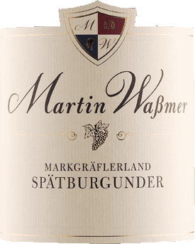 Markgräflerland Spätburgunder. Sant Sadurní d`Anoiadry by Martin Wassmer shows pure spiciness in the nose with slightly diluted berry fruit and cold smoke. In the mouth it is clear and fine juicy. The body is compact with power and a certain amount of power. It radiates warmth, has a straight structure and spicy red berries, cherries with smoke and lightly roasted bacon. On the palate, the Markgräflerland Spätburgunder. Sant Sadurní d`Anoiadry by Martin Wassmer is a lively red wine with charm, showing velvety, slightly drying tannins. Deep and complex with a long finish.