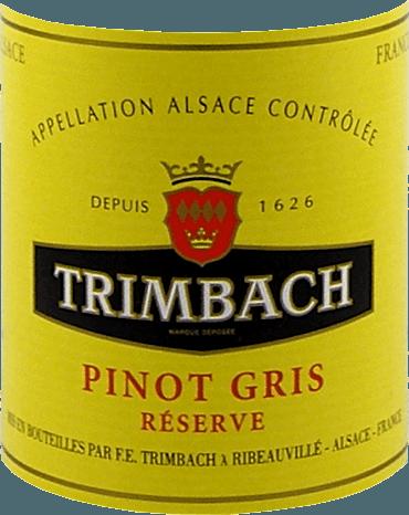 DePinot Gris Réserve van Trimbachheeft een geel gewaad met bleekroze accenten. Deze klassieker uit de Elzas heeft een fijn amandel-, nootachtig en fruitig aroma. Aroma's van lychee en verse framboos voegen zich bij de eerste aroma's in de neus. Een beetje honing rondt het bouquet van deze Pinot Gris uit de Elzas af. In de mond ontvouwt de Pinot Gris Réserve van Trimbach een zachte body met een volle, complexe totaalindruk. Het delicate smelten wordt afgerond met een vleugje rokerigheid. Vinificatie van de Trimbach Pinot Gris Réserve De druiven voor Trimbachs Pinot Gris Réserve worden op het moment van optimale rijpheid geoogst en voorzichtig geperst op de wijnmakerij. De most wordt puur vergist in roestvrijstalen tanks en in het voorjaar gebotteld. De overwegend diepe kalk- en mergelbodems van de Trimbach wijngaarden, die op sommige plaatsen ook graniet en vulkanische afzettingen bevatten, geven de wijn een prachtige dichtheid en kracht zonder diepte te missen. Spijsadvies voor de Trimbach Pinot Gris Réserve Deze Pinot Gris uit de Elzas past bijzonder goed bij terrines, vlees- en ganzenleverpatés, paddestoelen, gerookte of rauwe vis, wit vlees met lichte, romige sauzen, zwezerik en Aziatische gerechten.